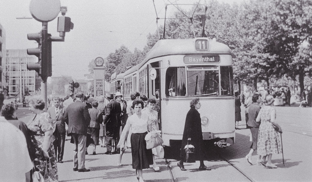 Historisches Foto der Linie 11 am Neumarkt