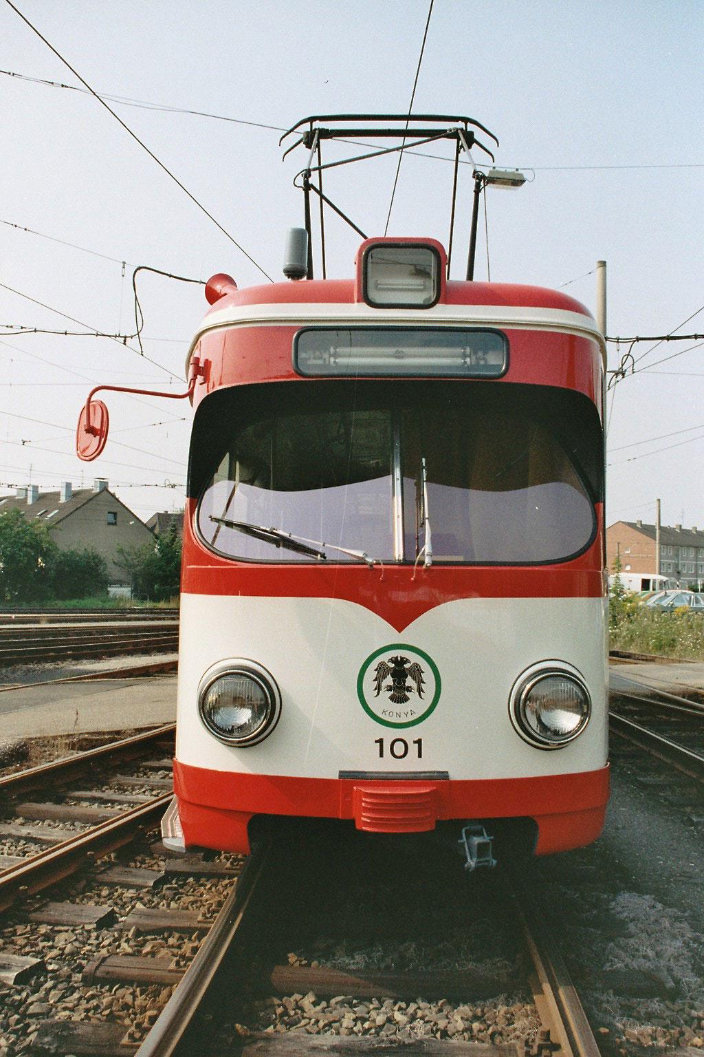 Kölner Achtachser mit Stadtwappen von Konya. (Foto: KVB-Archiv)