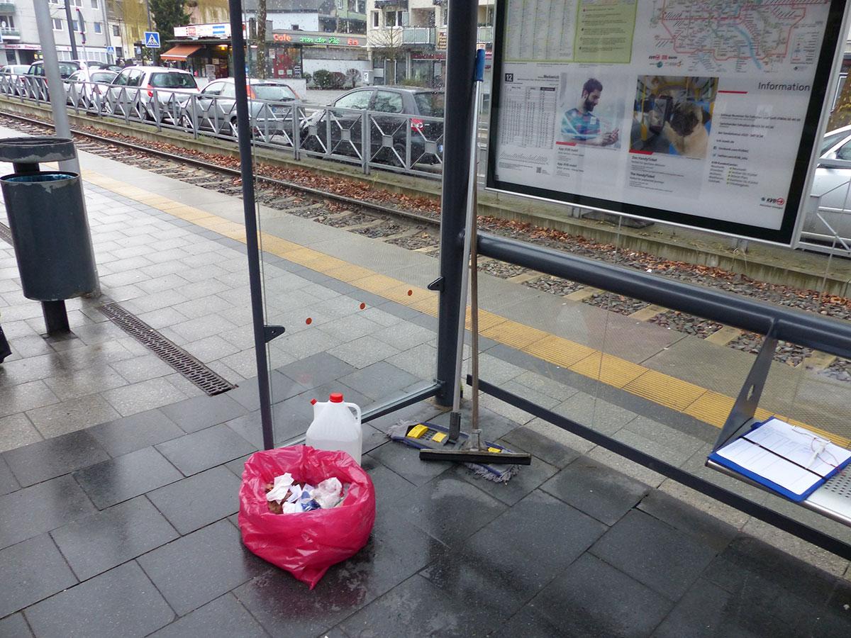 Reinigungsutensilien für die Bahn