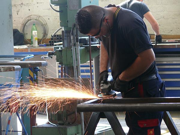 Metallbearbeitung in der Werkstatt
