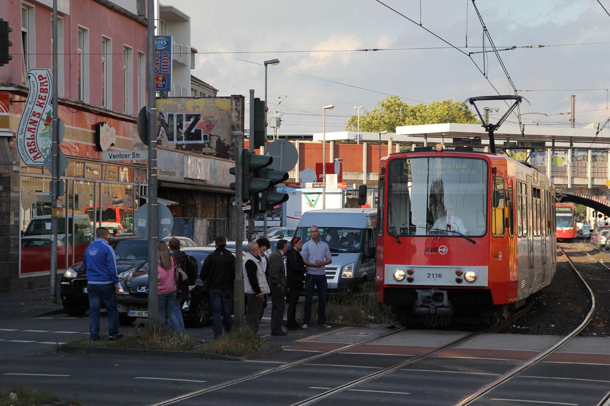 Heute werden die 2100er unter anderem auf der Linie 5 eingesetzt.
