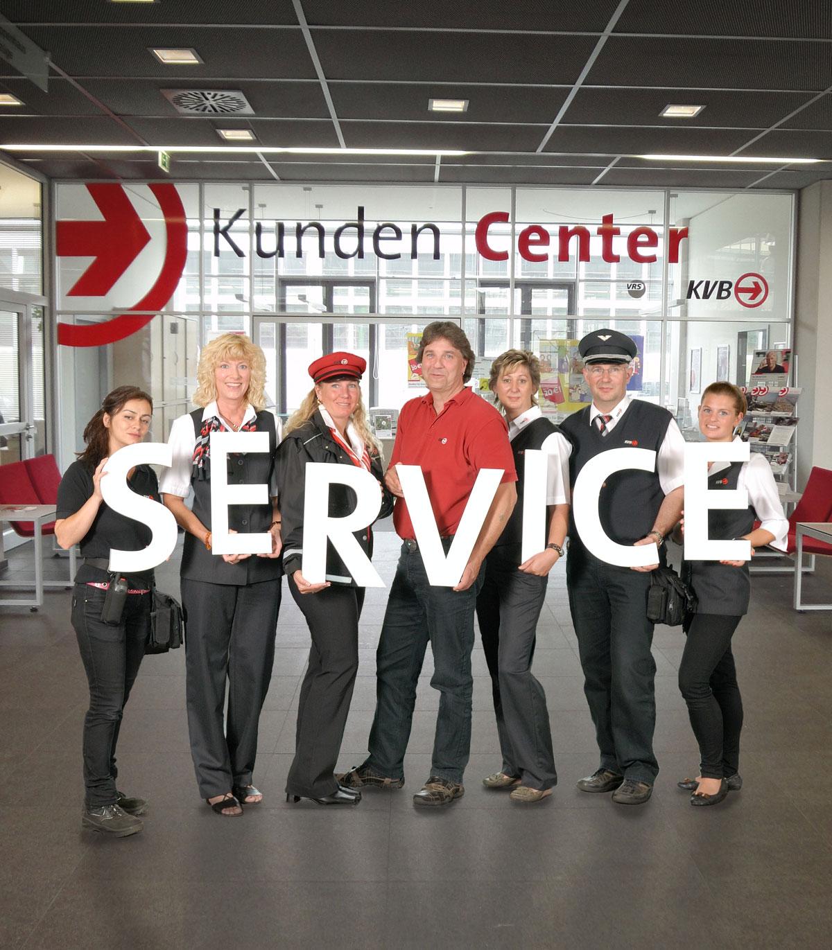 Verschiedene Bereiche der KVB – vom Fahrgastservice über die Kundenberater, den Fahrdienst bis hin zur Betriebssteuerung – leisten Service-Aufgaben für den Fahrgast.