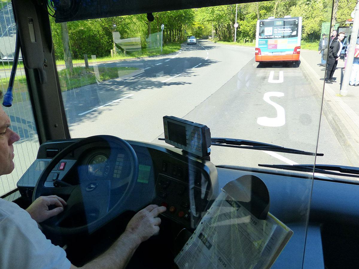 Trennscheibe des Busses