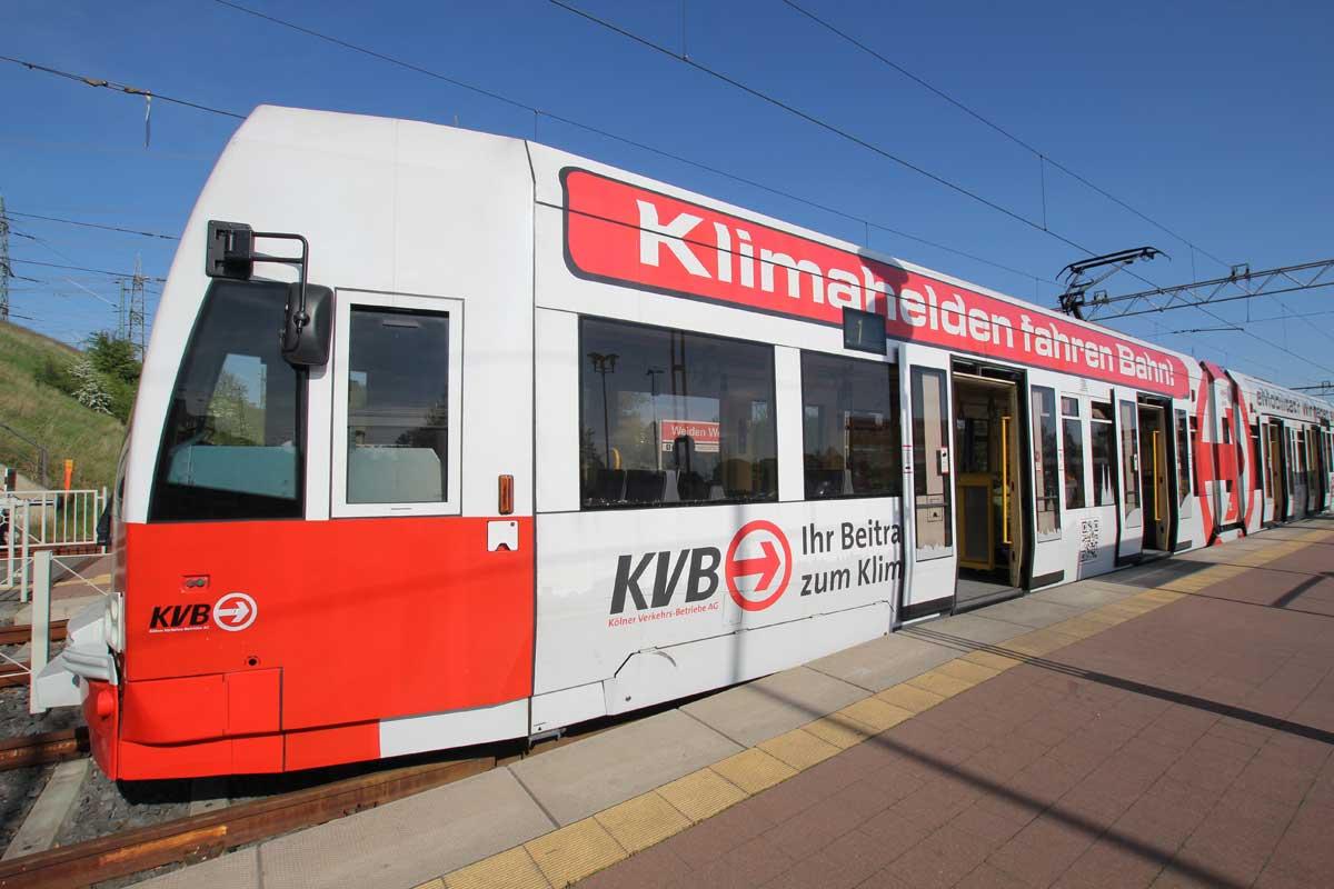 E-Mobil ist die KVB in der Stadtbahn schon seit 115 Jahren mobil.