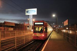Im Norden erreicht die Linie 12 mit den Ford-Werken einen der größten Arbeitgeber Kölns und des Rheinlandes.