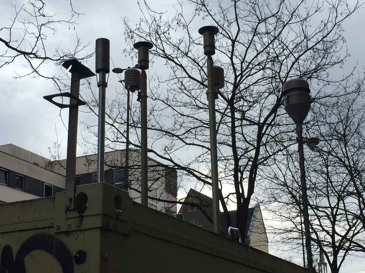 Messstationen des LANUV zeigen uns in unbestreitbaren Zahlen den Stand der Luftqualität.