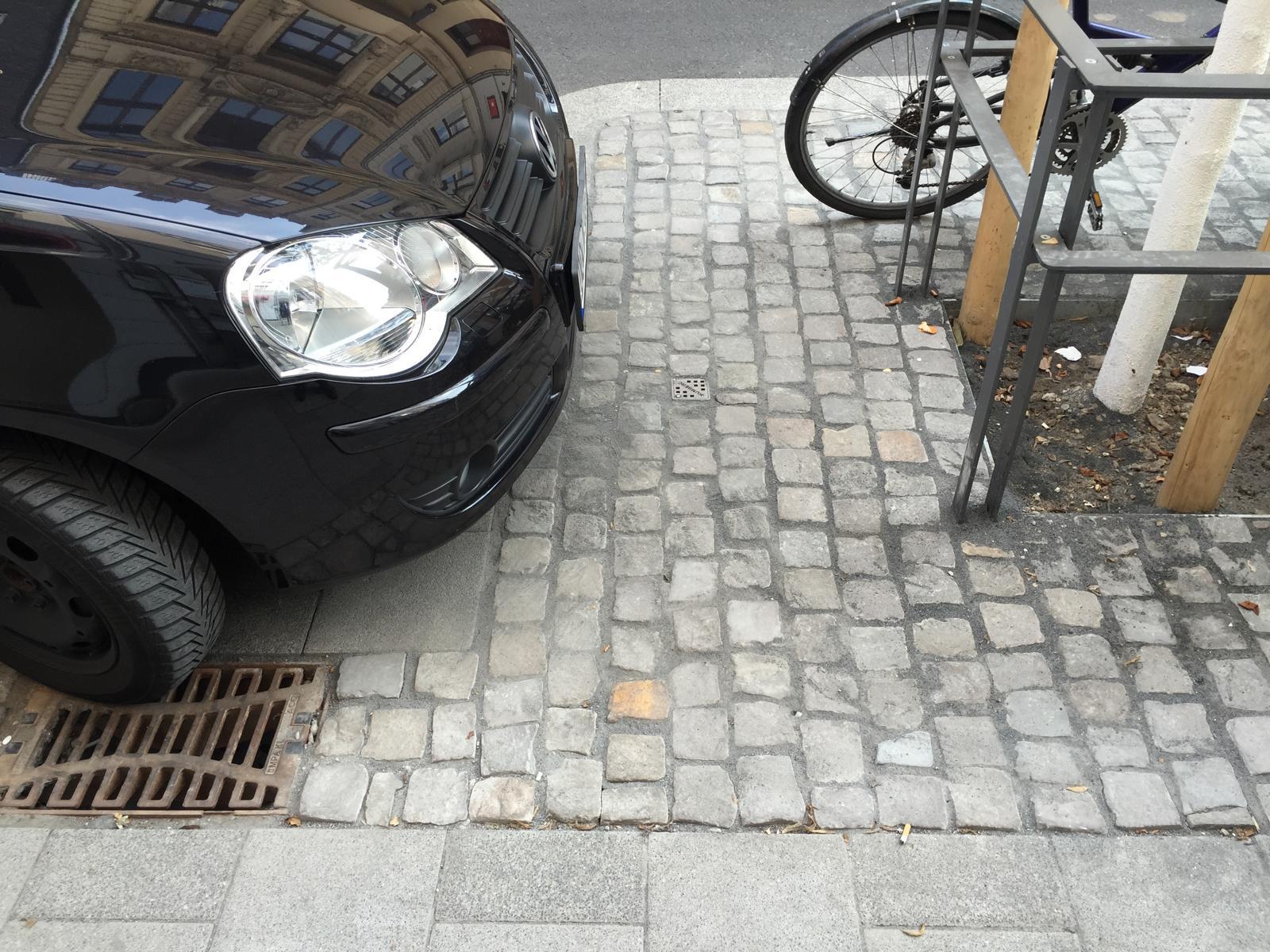 Maastrichter Straße: Die Gestaltung dieser Straße hebt sich wohltuend von anderen Straßenzügen ab.