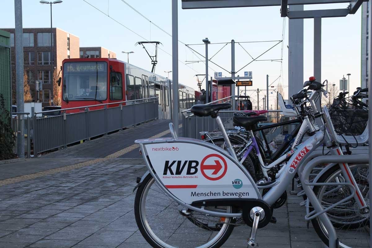 Mit Stadtbahn und Leihrad ist der Butzweilerhof in allen Winkeln gut erschlossen.