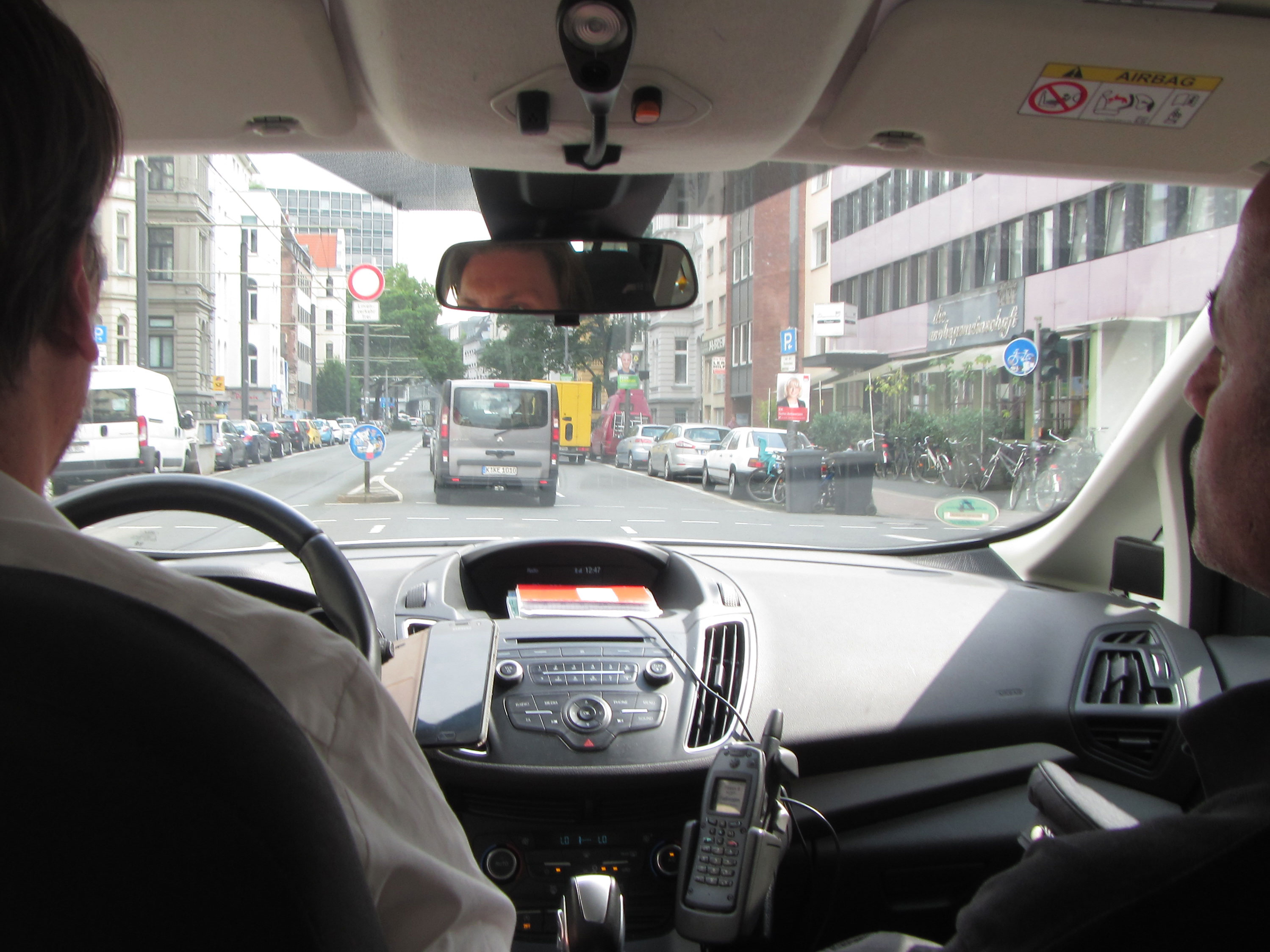 Mit dem Funkwagen sind die Verkehrsmeister schnell an Ort und Stelle.