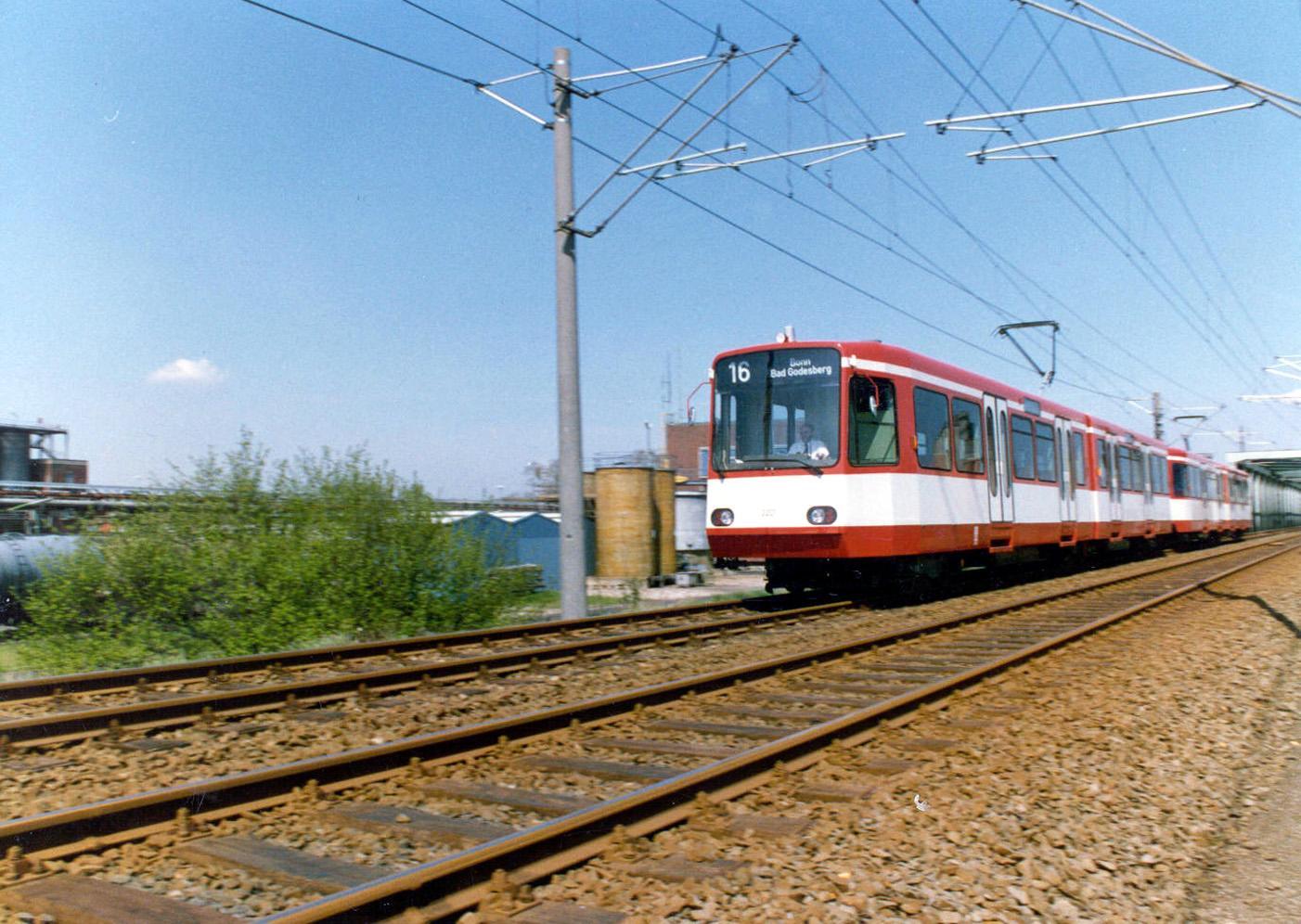 Marc fährt gern die Strecke über Land nach Bonn