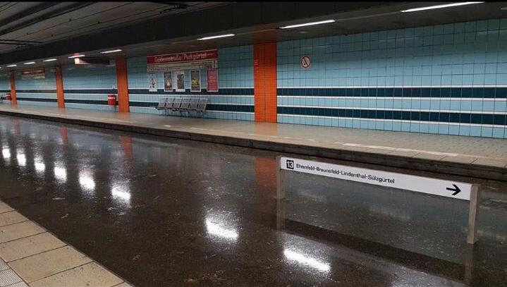die überflutete Haltestelle Geldernstraße