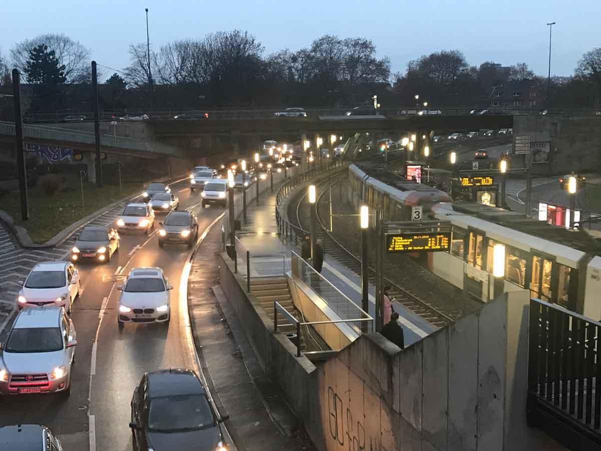 """Insbesondere die Große Masse der Pkw wird Emissionen reduzieren und vermeiden müssen. """"Zero Emission"""" im Busverkehr kann nur die Vorreiterrolle haben."""