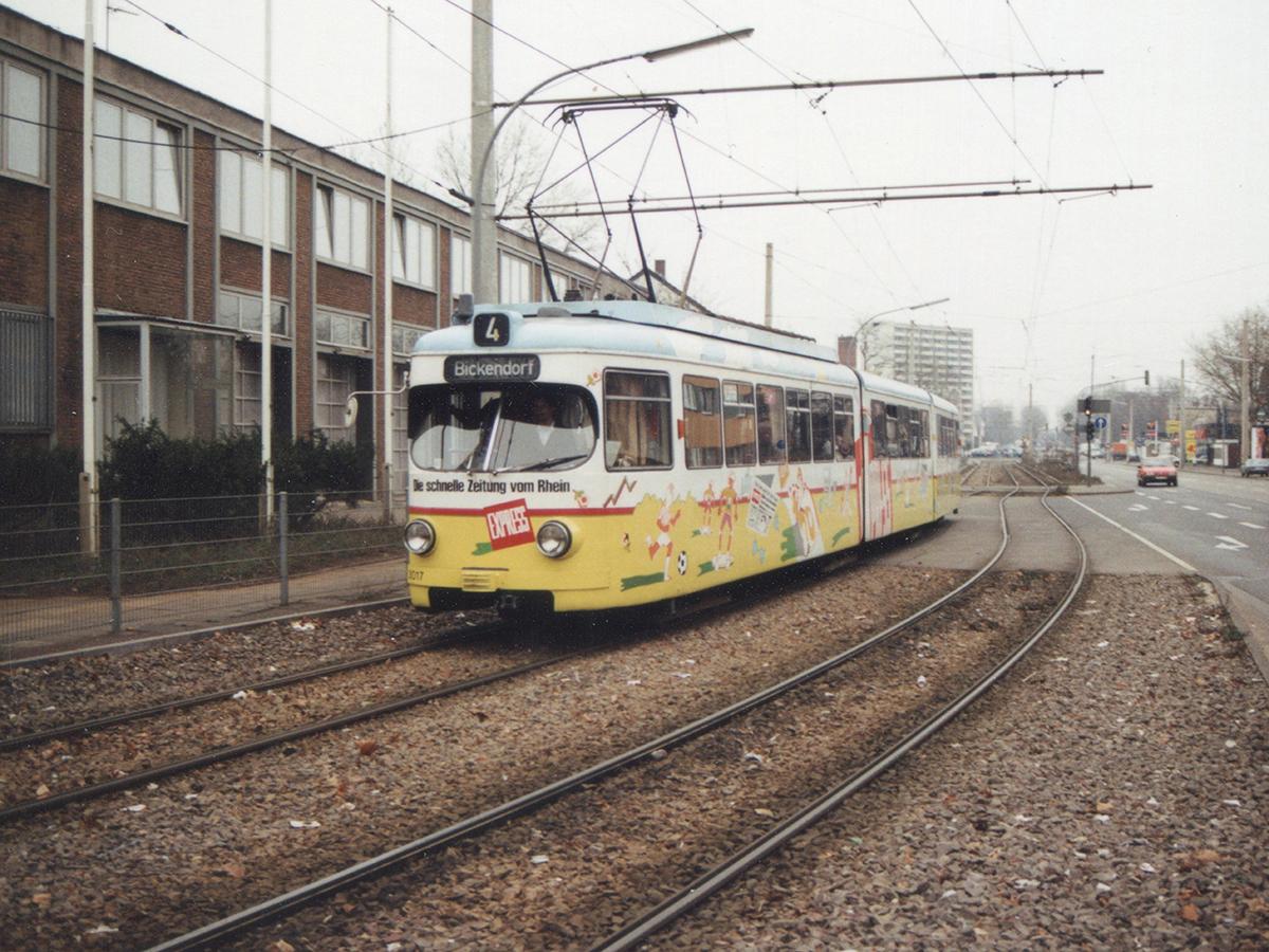 Linie 4 an der Feuerwache in Bickendorf