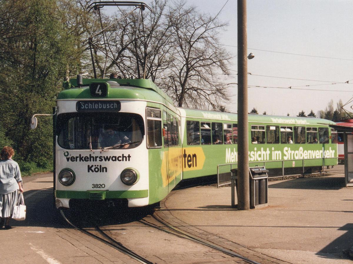 Linie 4 an der alten Wendeschleife in Bocklemünd.